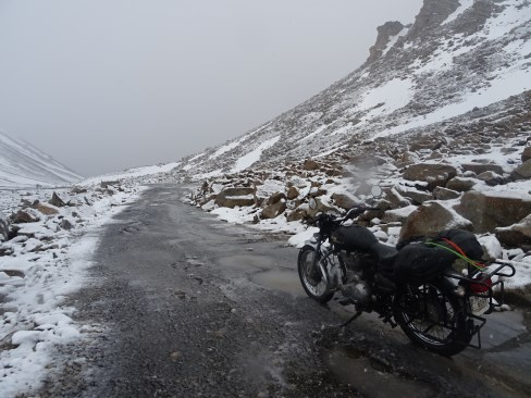 My hands were frozen. Wari La was at 5300m above sea level