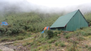 Hut 2: 2800m: On the way to Facipan